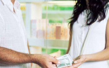 ¿Cómo cobrar una deuda a un amigo?