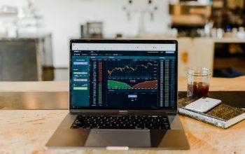 Conoce cómo invertir en el mercado de valores y vivir de eso